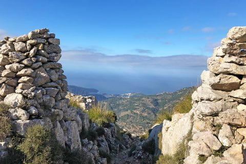 Hiking trail with a view of the Mallorcan coast