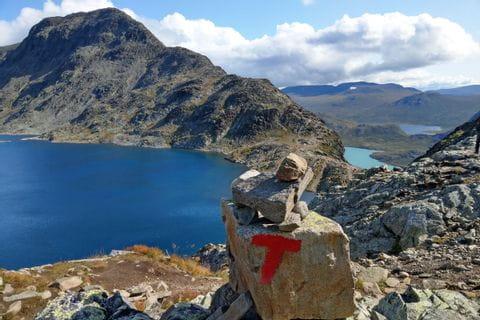 Traumhafte Ausblicke beim Wandern auf die verschiedenen Bergseen
