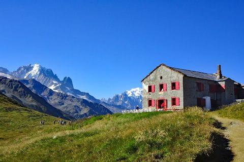 Hiking break at a French alpine hut