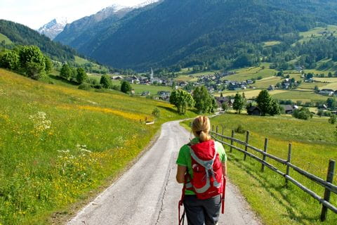 Hiking to Lessach