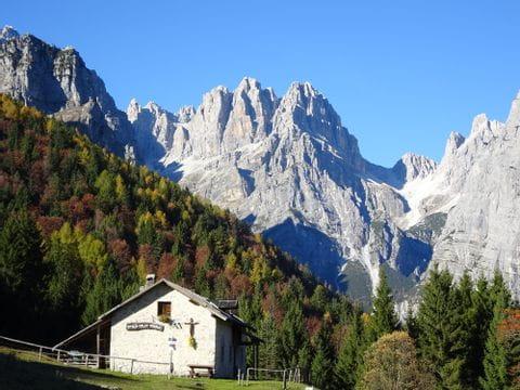 Herbstwandern in Südtirol, Blick auf die Berge