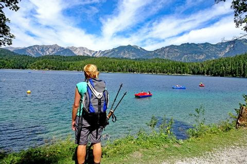 Hiker at the beautiful lake Eibsee