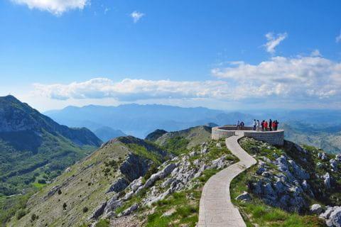 Weitblick beim Wandern in Montenegro