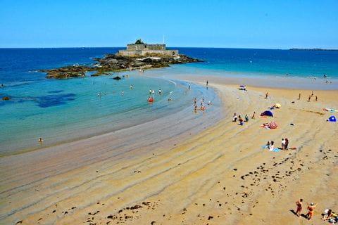 Hiking break on the beach of St. Malo