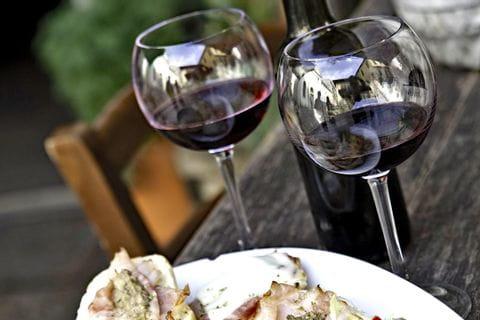 Dessert mit Rotwein