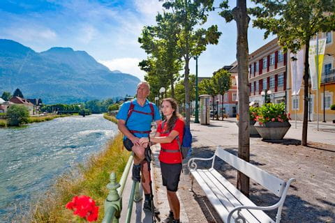 Kultur und Natur entlang der sonnigen Promenade Bad Ischls