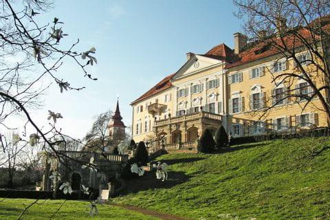 Schloss am Vulkanlandweg