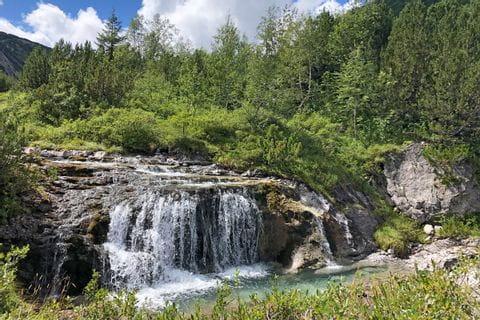 Grugelnde Wasserfälle am schönen Lech Wanderpfad