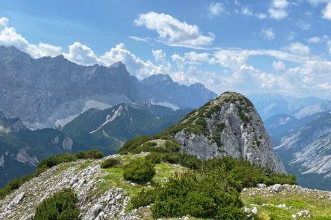 Beeindruckendes Bergpanorama am Tirolerweg