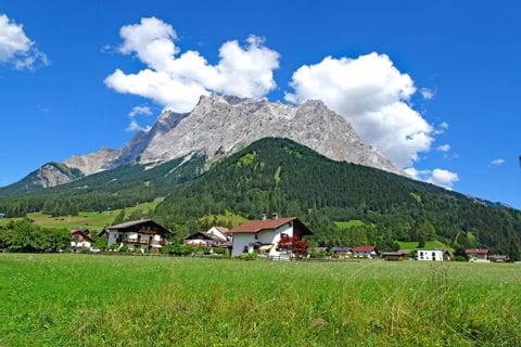 Wonderful hiking view to Zugspitze