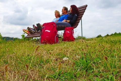 Wanderer mit Rucksack in Palzem