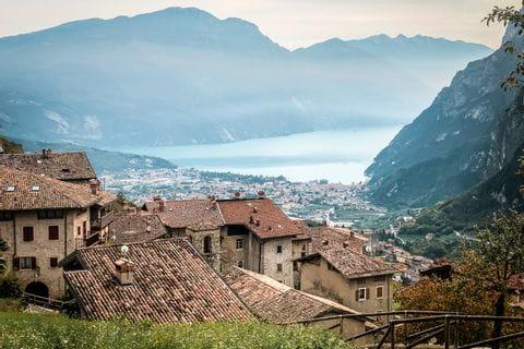 Ausblick vom Burgenweg in Südtirol