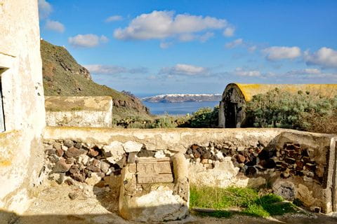 Hiking bliss in Santorini