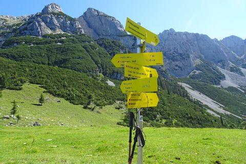 Hiking trail sign Gosaukamm