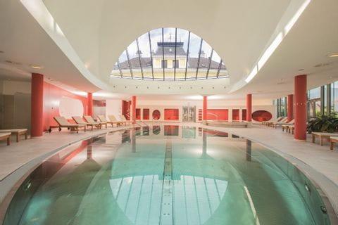 Pool im Wellness Bereich