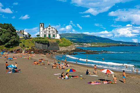 Strand Praia de Sao Roque bei Ponta Delgada