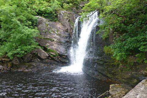 Mystischer Wasserfall am West Highland Way