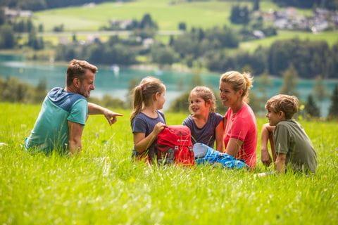 Familie vorm Wolfgangsee