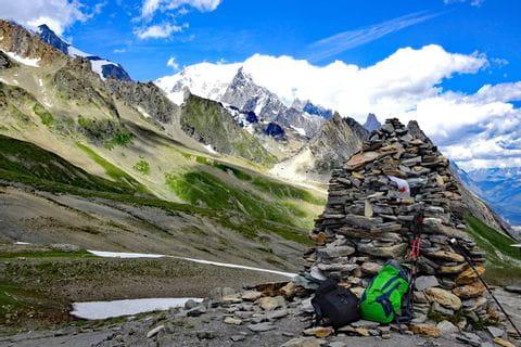 Hiking break in the Swiss Alps