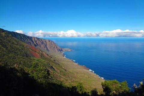 Steep cliffs on the hiking island of El Hierro