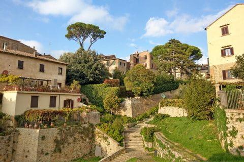 Ausblick auf die Häuser der Toskana