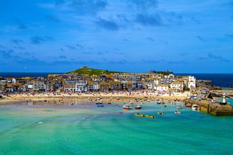 Stadtansicht von St. Ives auf Cornwalls Küstenweg
