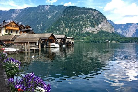 Hiking paradise Hallstatt at lake Hallstättersee