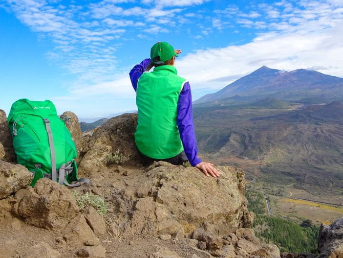 Hiker on Teneriffa with a scenic view of the Teide