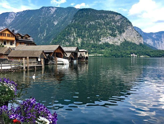 Wandern entlang des Seeuferweges nach Hallstatt