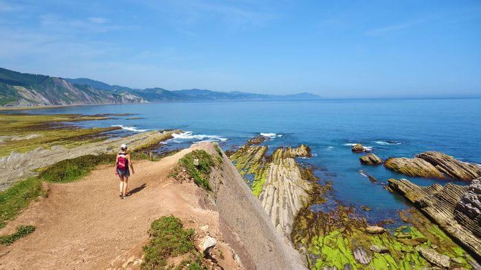 Küstenblick während der Wanderung von Zumaia nach Deba